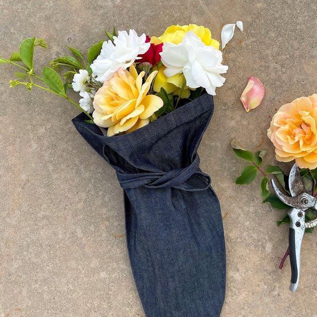 Aplat-Jardin-Flower-Bouquet-Tote-10_1800x1800.jpg