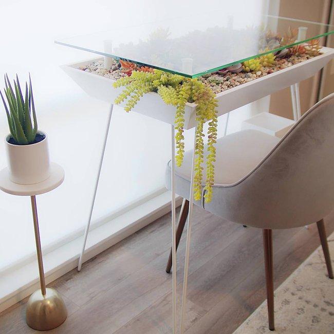 BT - desk white.jpg