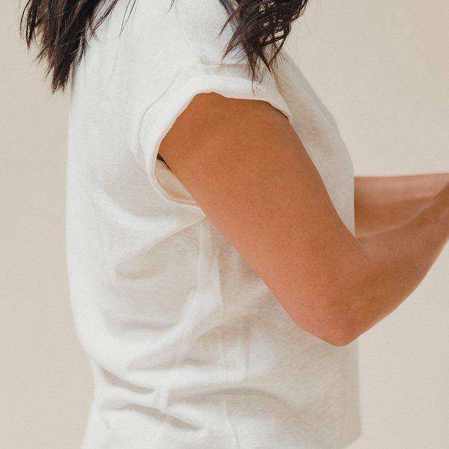 Jane Hemp Tee Off-white Detail