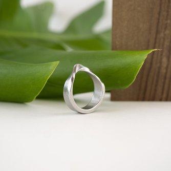 Amos Ring