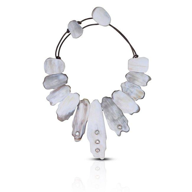 Matte Light Horn Collar