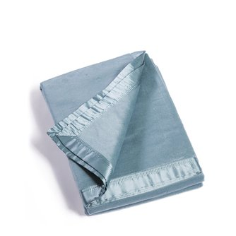 Micro Velvet Bamboo Viscose Blanket with 100% Silk Trim