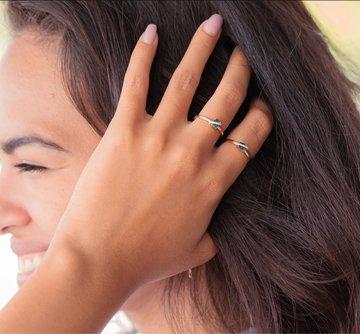 Delphi East-West Emerald Mini Ring
