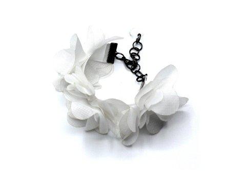 Bridal Daisy Tyelet