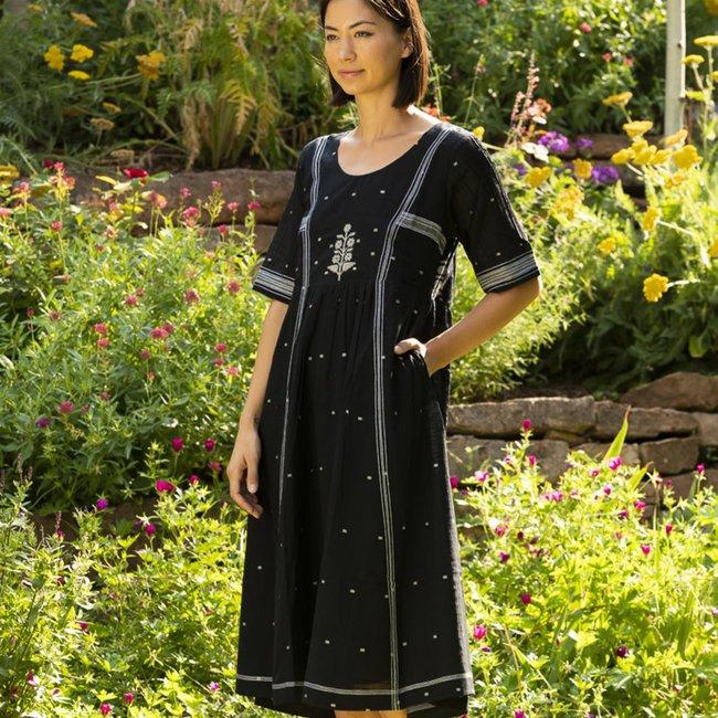 bhomra-gaachpool-dress-black_9650b303-5be4-4457-ab4b-8fc90c2969b7_1800x1800.jpeg