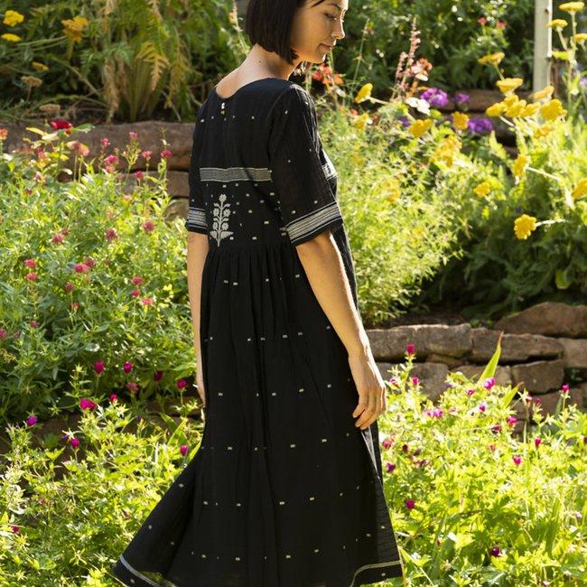bhomra-gaachpool-dress-black_f3e90b87-92f8-4749-b876-5ef051dea8fc_1800x1800.jpeg