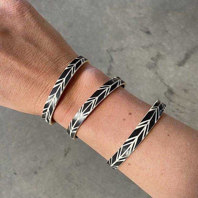 himba-feather-bracelet-black-xs-3_1800x1800.jpeg