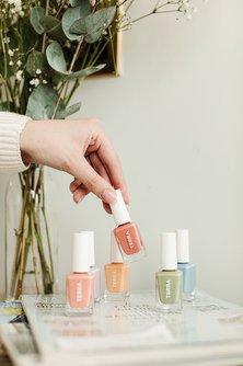 Terra 10/free Nail Care Spring Colors